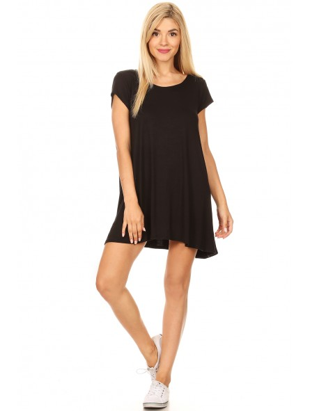 Solid, Short Sleeve Mini Dress In A Relaxed Fit, With A Round Neck, Pleats, And Hi-Lo Hem.