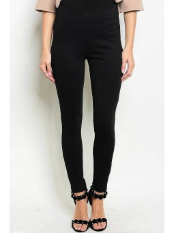 Fitted Black Pant with A silver Zipper Closure